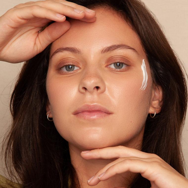 Kosmetik mit Wachstumsfaktoren aus Bio-Colostrum
