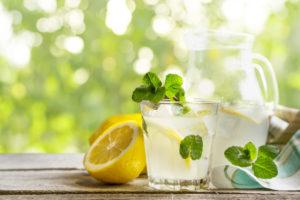 Ein frisches Getränk für schöne Haut
