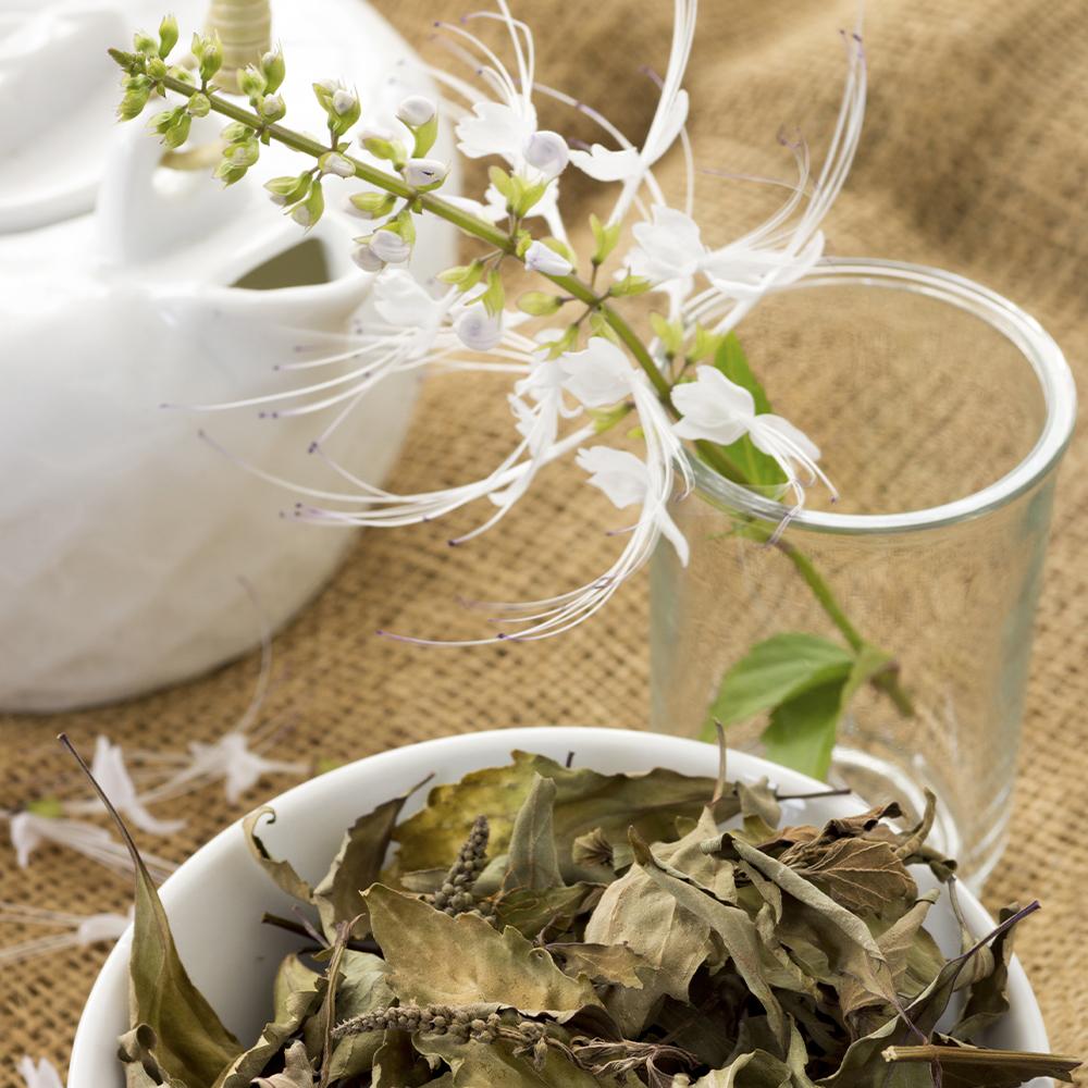 Neben den Augenfluid gibt es auch Tees, die schön machen.
