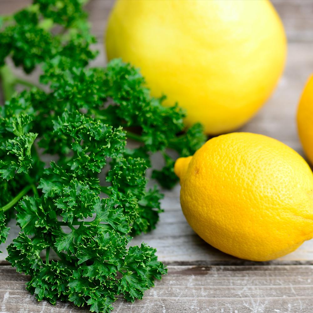 Zitrone und Petersilie Vitamin C